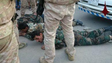 "Photo of بالفيديو .. قوات روسية تهين عناصر قوات الأسد بتهمة ""التعفيش"""