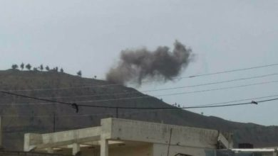"""صورة غارات روسية تستهدف تل الحارّة الاستراتيجي.. ومخاوف من انهيار """"خفض التصعيد"""" جنوب سوريا"""