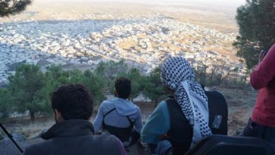 "Photo of الحر يعلن ""تل الحارّة"" منطقة عسكرية يمنع التصوير والاقتراب منها"