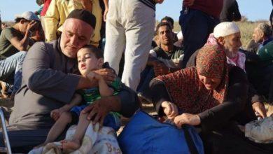 "Photo of ""هربت من الموت إلى الجحيم"" .. خمسين عائلة عالقة في ""المنطقة الحرة"" تنتظر مصيرها !"