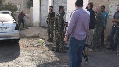 Photo of موكب لوزير الدفاع السوري يتعرّض لإطلاق نار وشتائم لبشار الأسد بريف السويداء