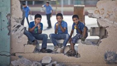 Photo of قرار تعسفي من نظام الأسد يقضي بعدم تعيين مجموعة من المعلّمين بمحافظة درعا