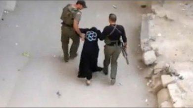 Photo of كورقة ضغط لتسليم نفسه.. قوات الأسد تعتقل زوجة إعلامي مُهجّر من ريف درعا