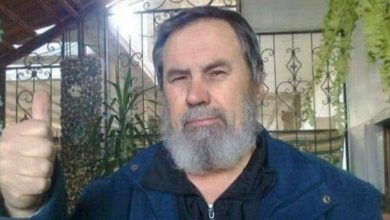"Photo of ""طبيب الأيتام"" بدرعا يقضي في سجون الأسد"