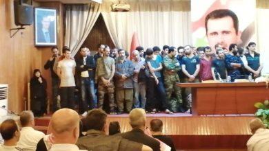 صورة بالأسماء.. نظام الأسد يفرج عن دفعة جديدة لمعتقلين من درعا
