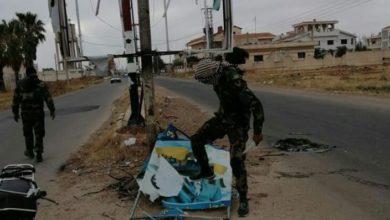 Photo of بهتافات ضد الأسد.. أهالي درعا يشيّعون عنصرًا جديدًا من الفيلق الخامس (فيديو)