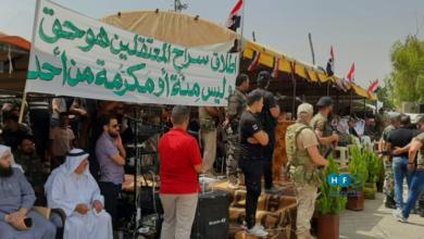 Photo of رفع أعلام النظام في بصرى الشام يثير جدلاً في مواقع التواصل الاجتماعي