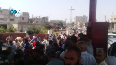 Photo of استمرار أزمة المحروقات بدرعا.. والمعاناة تتفاقم يوماً بعد يوم