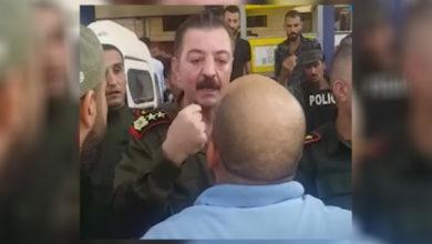 """صورة صاحب مقطع """"والله لنرجعها لـ2011"""" ينفي اعتقاله ويوضح أسباب المشادة مع ضباط النظام"""