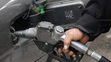 Photo of في ظل ندرة توفّره.. النظام يرفع سعر البنزين إلى الضعفين